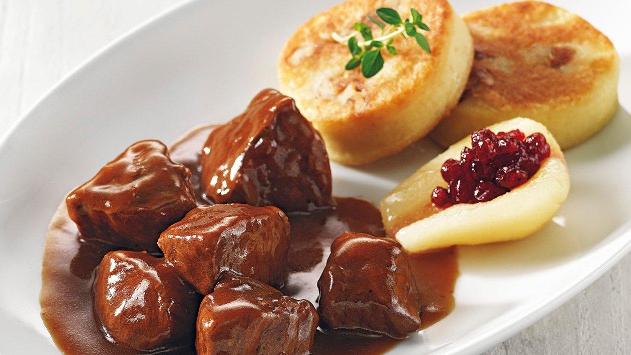 Civet de chevreuil galettes de pommes de terres et chouz rouge braisé
