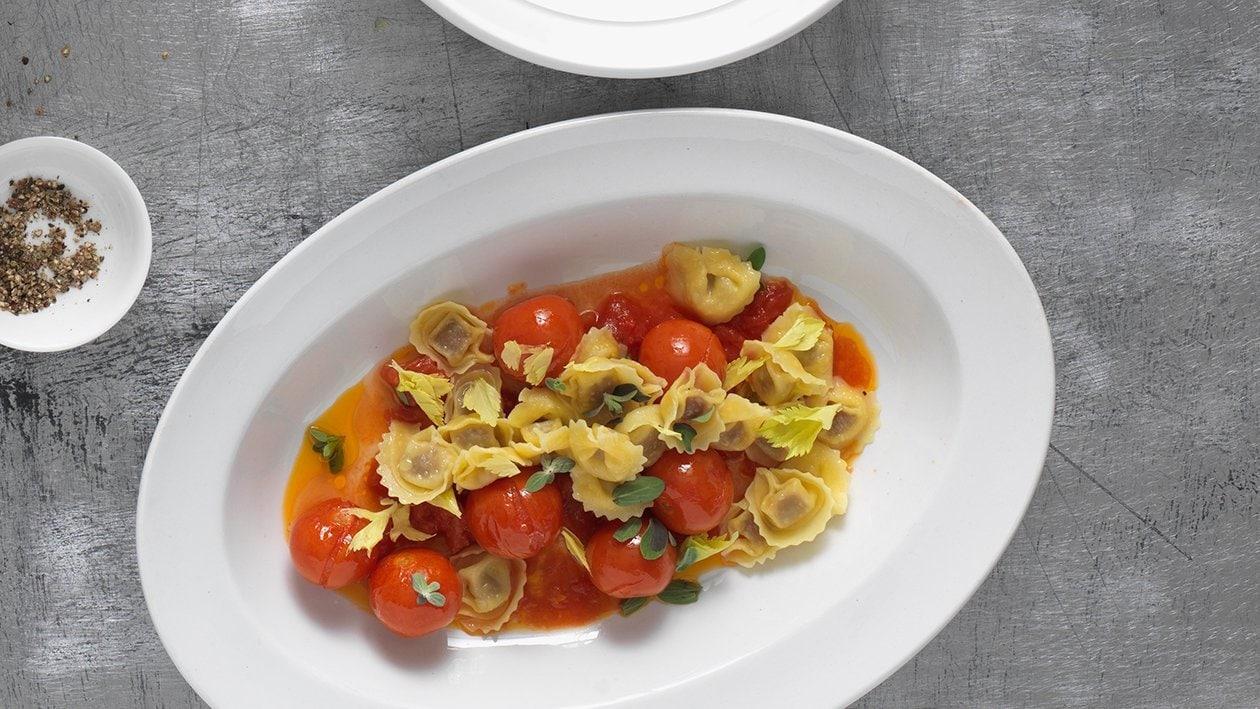 Pâtes farcies avec sauce tomate au four