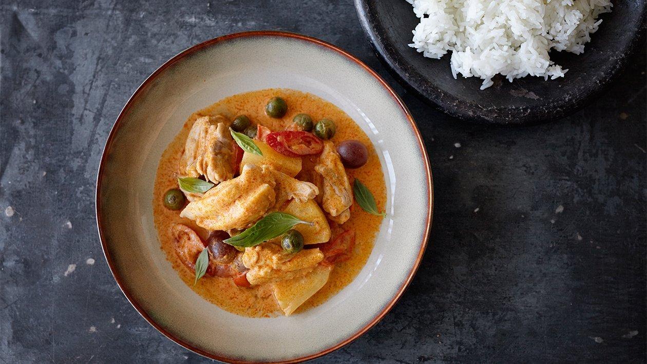 Poulet au curry rouge à la mode thaï