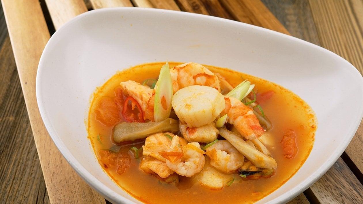 Soupe thaï épicée aux fruits de mer