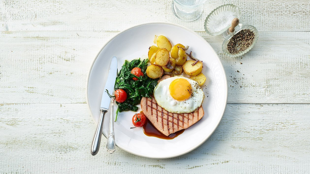 Fromage d'Îtalie grillé et oeuf au plat