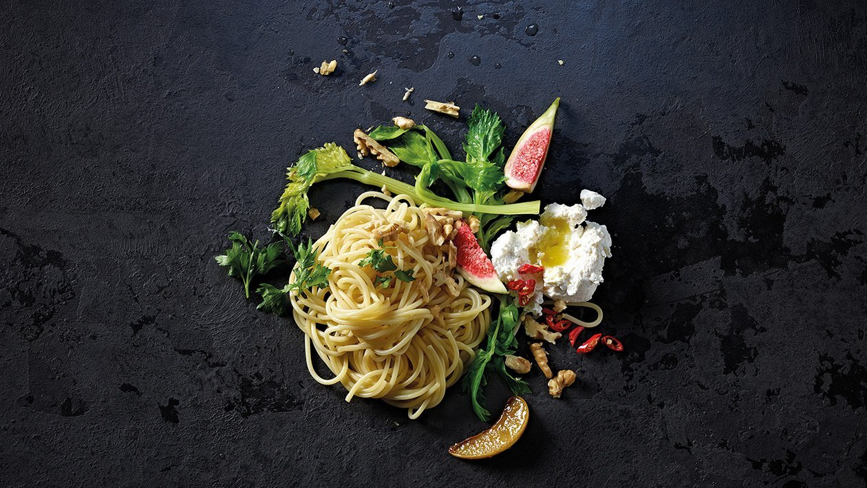 Spaghetti con ricotta e fichi
