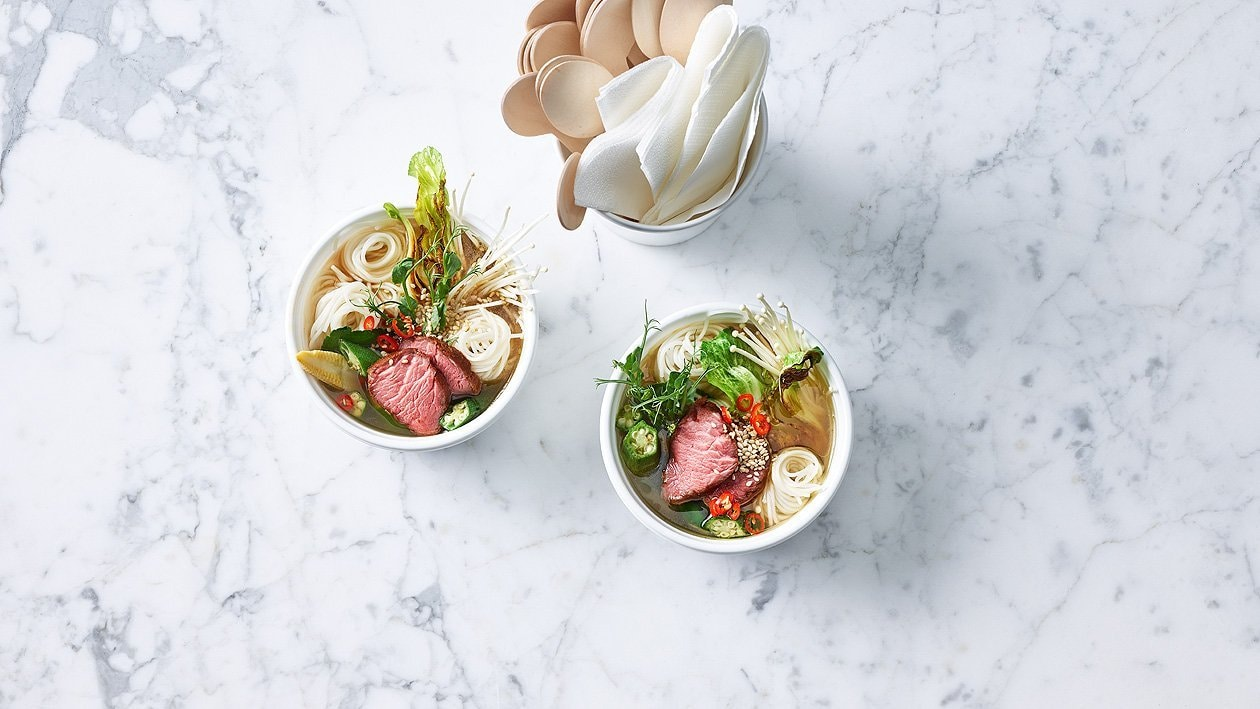 Soupe aux nouilles ramen et viande de boeuf (à l'emporter)