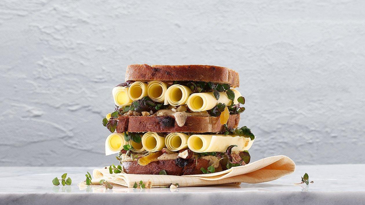 Sandwich aux rouleaux de Sbrinz