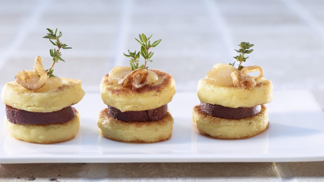 Burger de galettes de pommes de terre au boudin