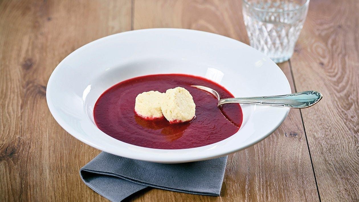Crème de betteraves rouges et flan aux pommes de terre et raifort