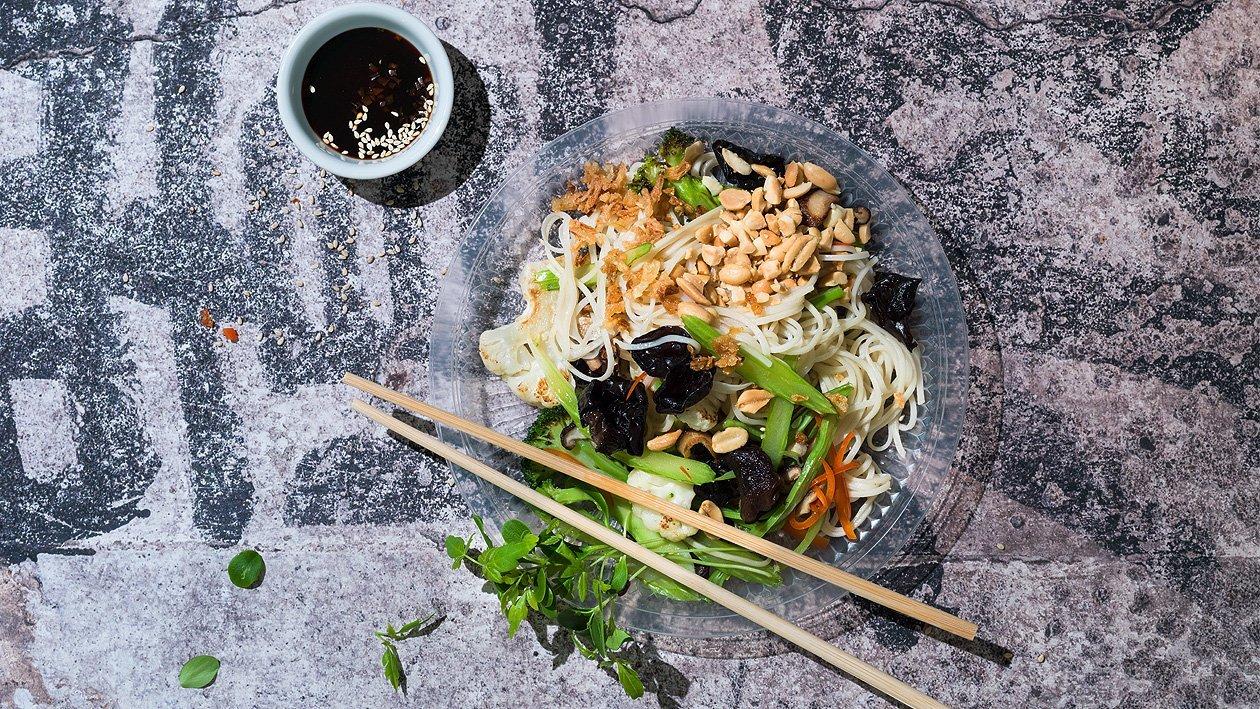 Nouilles asiatiques aux légumes, simple et rapide à emporter